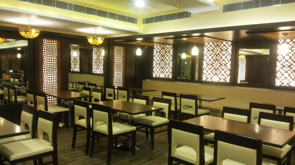 The Crystal Park Hotel Ajmer Restaurant